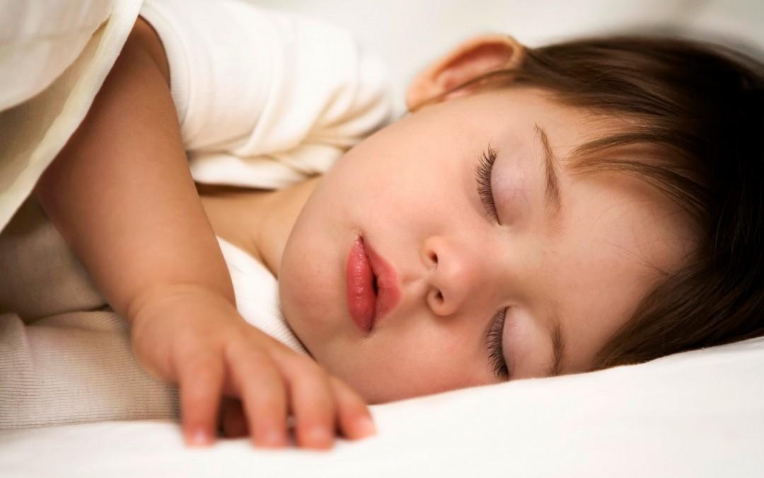 Evita el rechinamiento dental de tu hijo