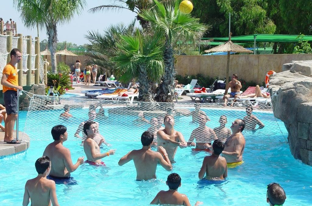 Protege tus ojos en la piscina con estos 5 tips